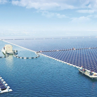 A picture of a 40MW floating solar plant in China. Source, Quartz